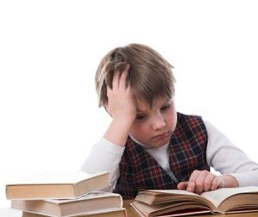 كيف يتغلب الطفل على قلق الامتحانات؟