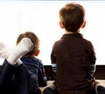 كيف نمنع الطفل عن مشاهدة التليفزيون كثيرا؟