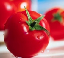 وصفات الطماطم والليمون للتخلص من البقع السوداء والبثور