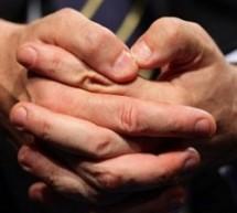حركات يديك تكشف نوعية ومواصفات شخصيتك النفسية وطبيعتها