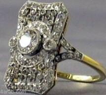 أول عرض مجوهرات انتشلت من حطام السفينة «تيتانيك»