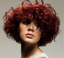 تصفيف الشعر المجعد بالصور