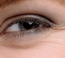 تفادي  تجاعيد ما حول العينين المزعجة