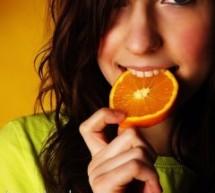 تناولي برتقالة يومياً فالبرتقال مفيد لصحتك