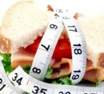 5 عادات غذائية هي السبب في زيادة وزنك !