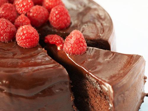 كيك الشوكولاته بالفدج صوص
