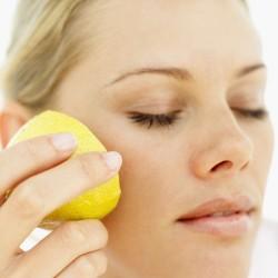 البيض والليمون لحب الشباب .. تخلصي منه بوصفةٍ طبيعيةٍ!